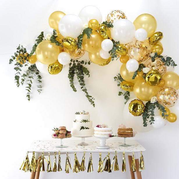 Arc de ballons doré et blanc